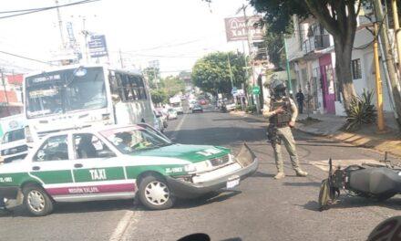 Accidente de tránsito sobre la avenida 20 de Noviembre, a la altura del Hotel Mision