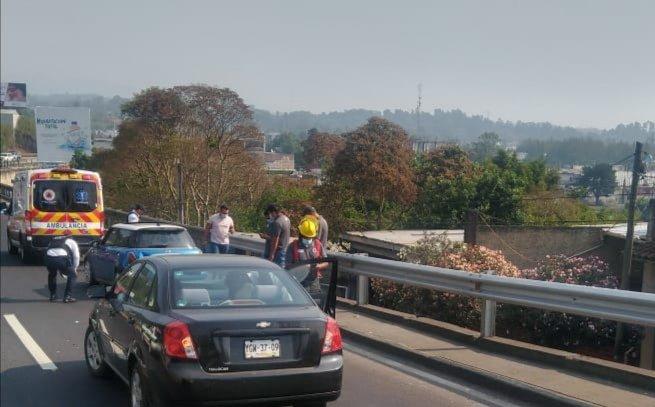 Accidente sobre el bulevar Xalapa – Banderilla, a la altura del puente Macuiltépet