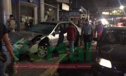 Conductor en estado de ebriedad se accidenta sobre Lázaro Cárdenas, a la altura de Urban Center