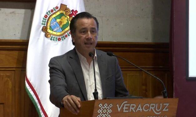 Gobernador de Veracruz solicitó al personal docente realizar esfuerzo para trasladarse a una de las cinco sedes en el estado, para recibir la vacuna de CanSino