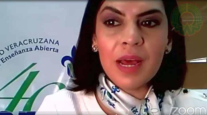 """Liliana Ramírez Jiménez presentó la conferencia """"Habilidades y competencias para la inserción laboral en los universitarios"""""""