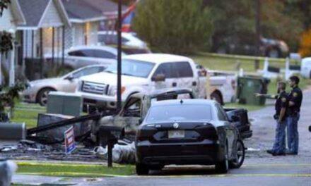 Hay 4 muertos al estrellarse una avioneta contra una casa en Mississippi