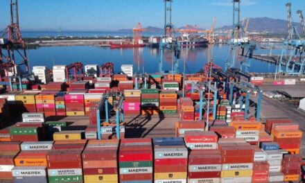 AMLO ordena a la Sedena que asuma el control de las aduanas en el norte y a la Marina en los puertos