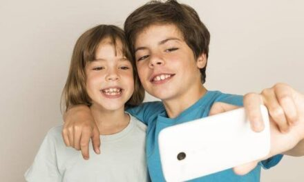 En peligro, niñas y niños que son presumidos por papás en redes sociales:Revista Consumidor