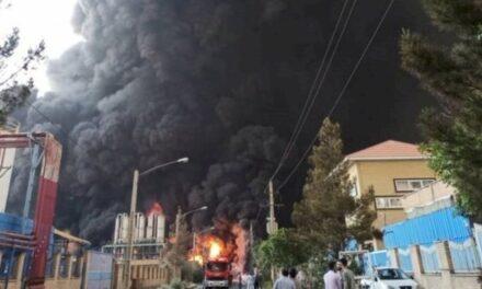 Video: En Irán se registró un incendio y explosión en planta petroquímica