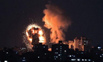 """Abbas ha señalado al Gobierno israelí como """"único responsable"""" de la escalada y los """"crímenes perpetrados"""" en la Franja de Gaza y Jerusalén."""