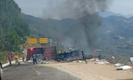Accidente en la autopista Puebla – Orizaba, la circulación permanece cerrada