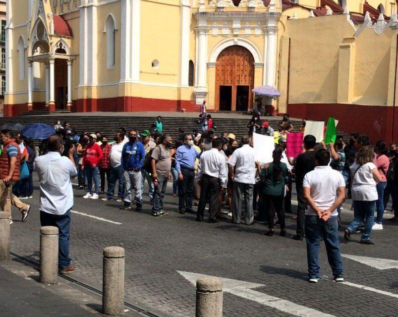 Cierre intermitente por manifestantes en el centro de Xalapa