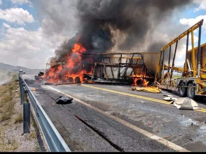 Fuerte accidente en la carretera Amozoc-Perote, hay personas fallecidas ,
