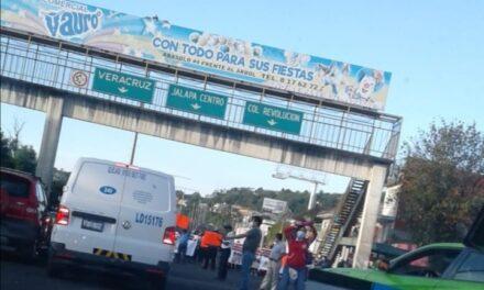 Cierre parcial en la carretera Banderilla – Xalapa, a la altura de Pemex
