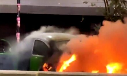 Video: Se incendia vehículo durante los festejos por el triunfo del Cruz Azul