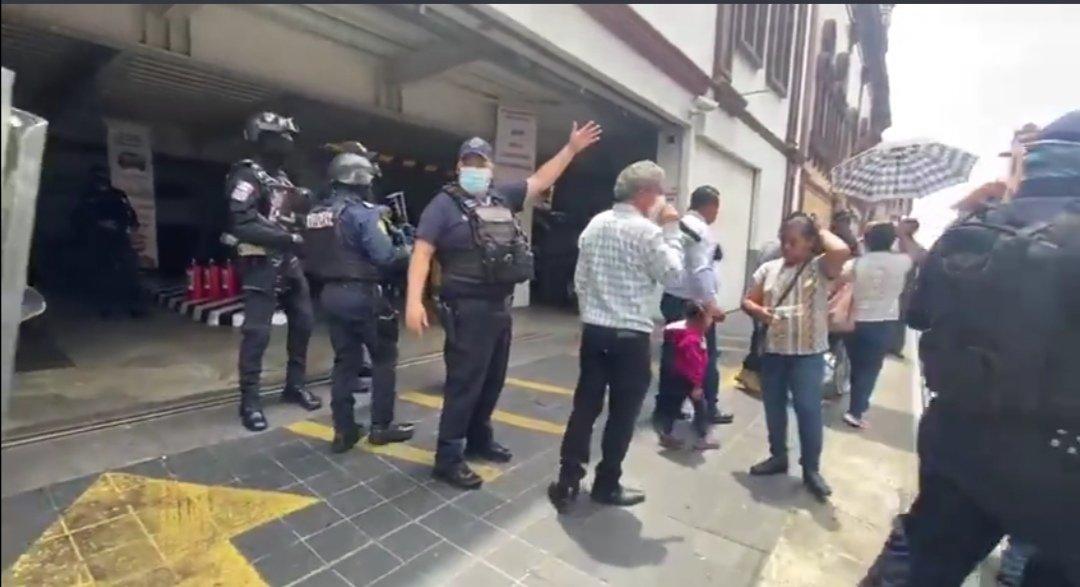 Detiene SSP líderes taxistas por obstrucciones a las vías de comunicación en el centro de Xalapa