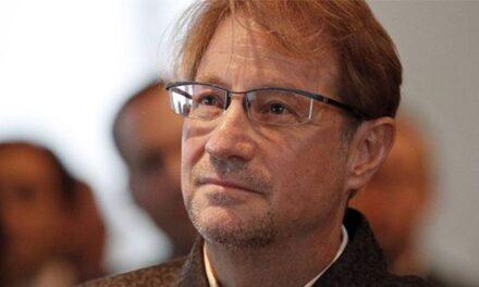 Giran orden de aprehensión contra Andrés Roemer, fundador de CDI en Puebla