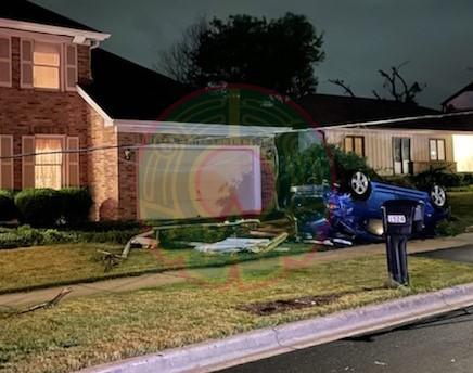 Tornado arrasa con vecindario de Illinois; dejó cuatro heridos y daños en varias viviendas