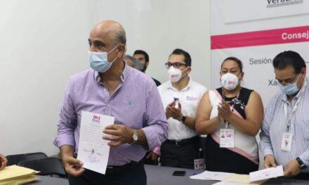 Recibe Ricardo Ahued constancia de mayoría como presidente municipal de Xalapa