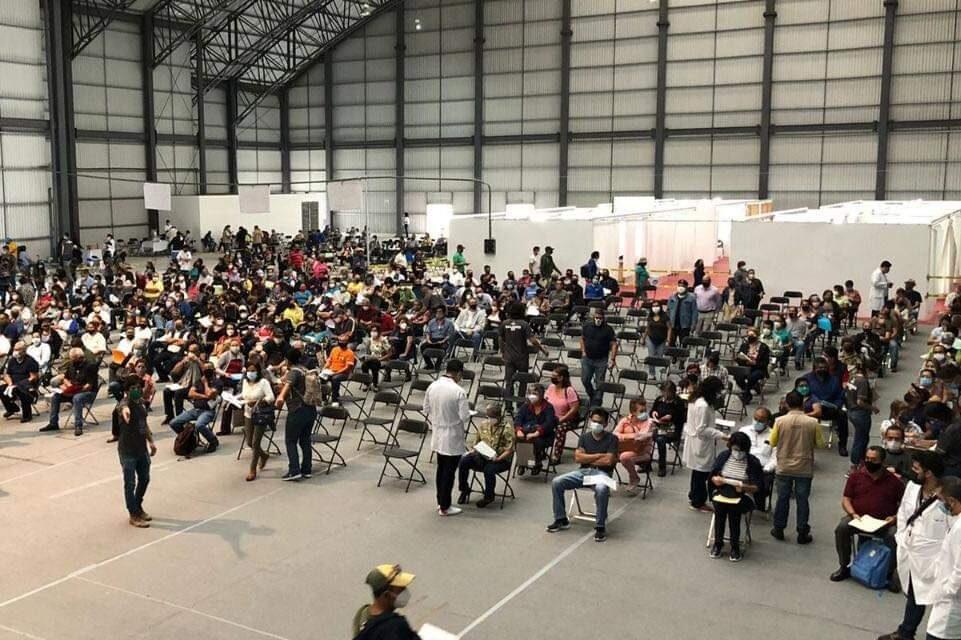 Tercer día de vacunación a personas de 50 a 59 años en los municipios de Xalapa, Boca del Río y Poza Rica;