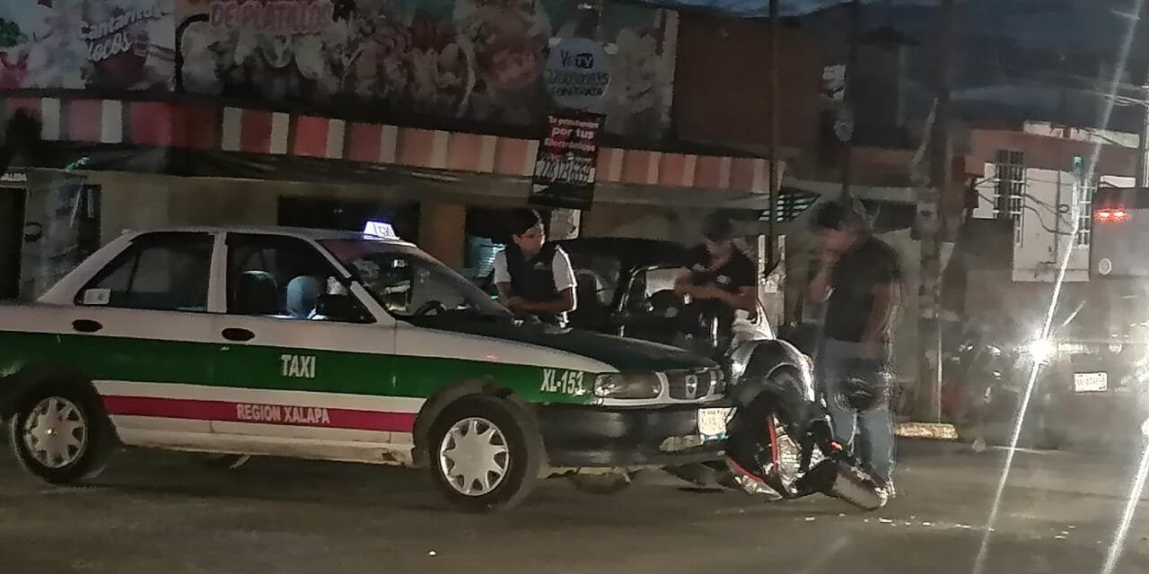 Accidente de tránsito sobre la Avenida Atenas Veracruzana, Xalapa