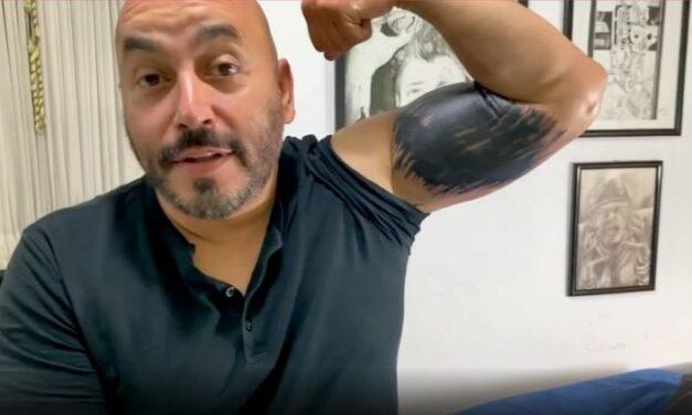Lupillo Rivera se borra el tatuaje con rostro de Belinda