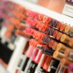 La mitad de cosméticos contienen sustancias tóxicas: Estudio