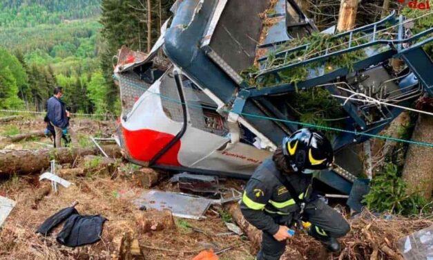 A casi un mes de la caída de un teleférico en Italia, donde murieron 14 personas, se revelaron dos videos del incidente