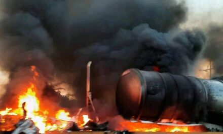 Video: Se incendia pipa en la carretera Macuspana-Villahermosa