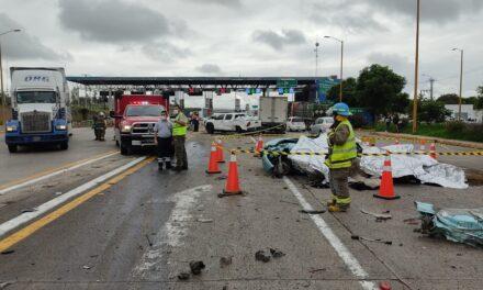 Choque de siete vehículos deja cuatro personas muertas en Jalostotitlán, Jalisco