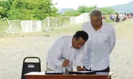 Amlo. Firman acuerdo y supervisan la Autopista Cardel-Poza Rica, tramo Paso Largo.