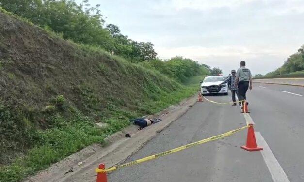 Localizan mujer sin vida en la autopista Cosamaloapan – Cosoleacaque, a la altura del km 189