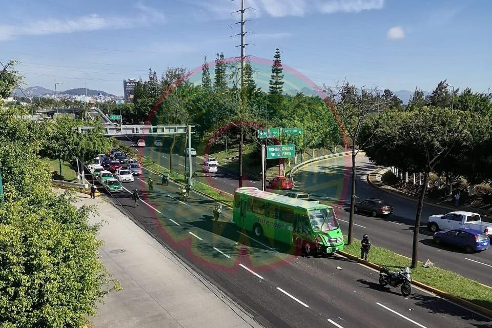 Accidente de tránsito a la altura de Plaza Américas, Xalapa