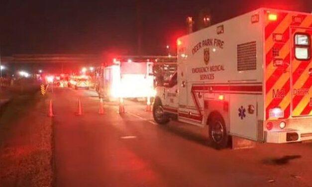 Fuga química en planta de Texas deja dos muertos y siete heridos