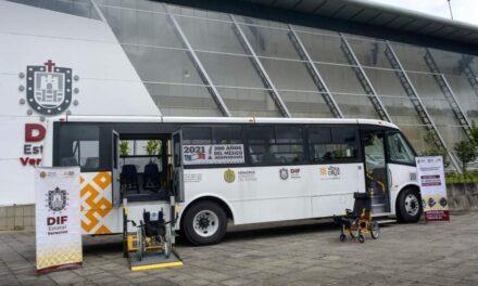 Recibe DIF Xalapa autobús adaptado para personas con discapacidad