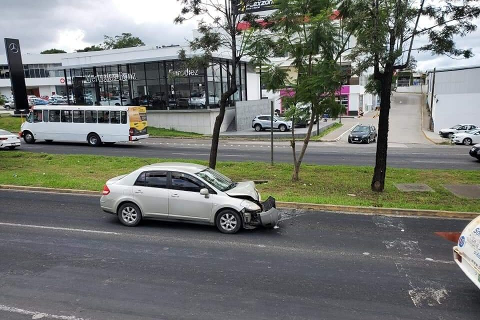 Accidente sobre la carretera Xalapa – Veracruz, a la altura de Las Trancas