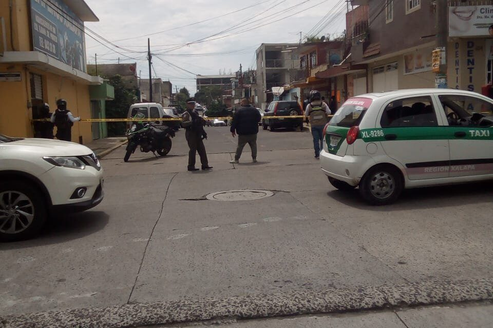 Detienen a 2 personas armadas en la colonia Progreso, en Xalapa