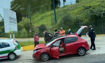 Accidente en la avenida Lázaro Cárdenas, a la altura de la UX