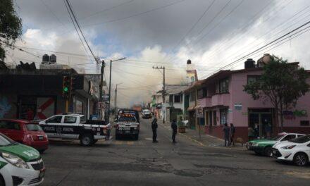 Video: Se registra incendio en la calle Sarabia, Xalapa