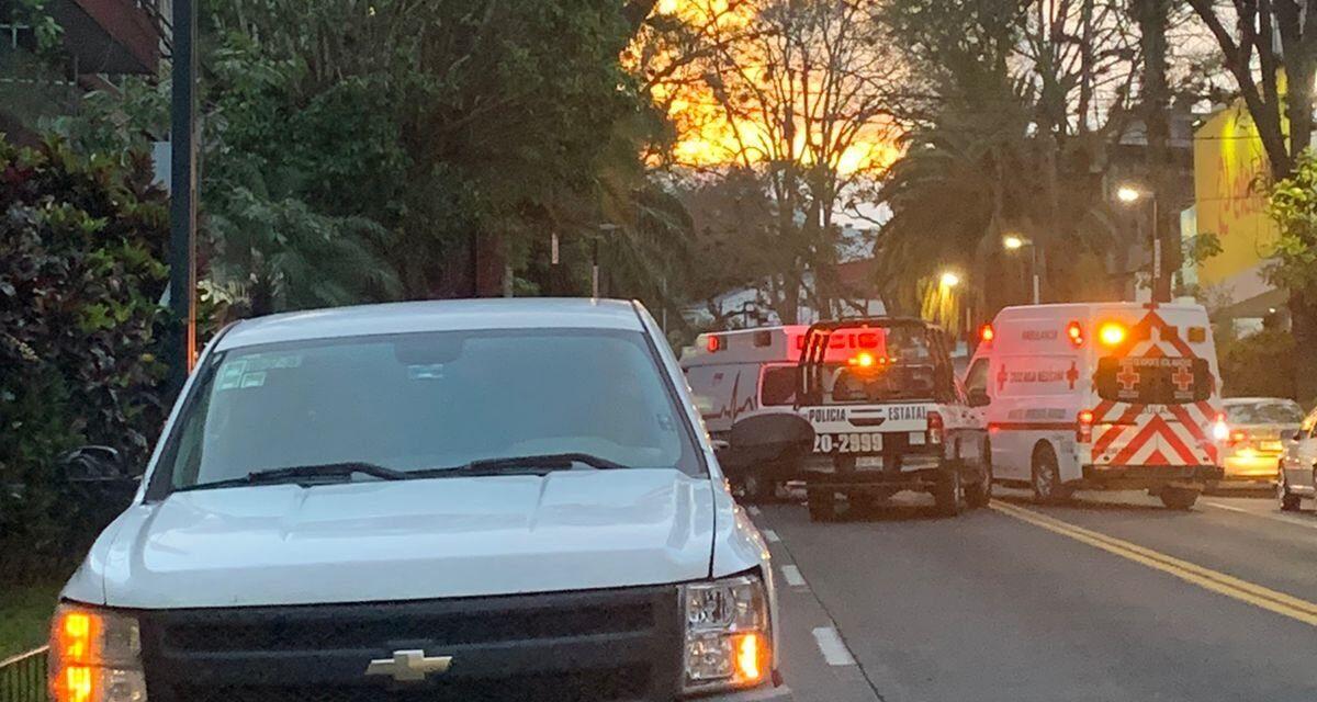 Motociclistas lesionados en accidente de tránsito sobre la Avenida Ávila Camacho, Xalapa