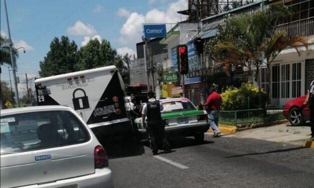Accidente de tránsito sobre la Avenida Manuel Ávila Camacho, Xalapa