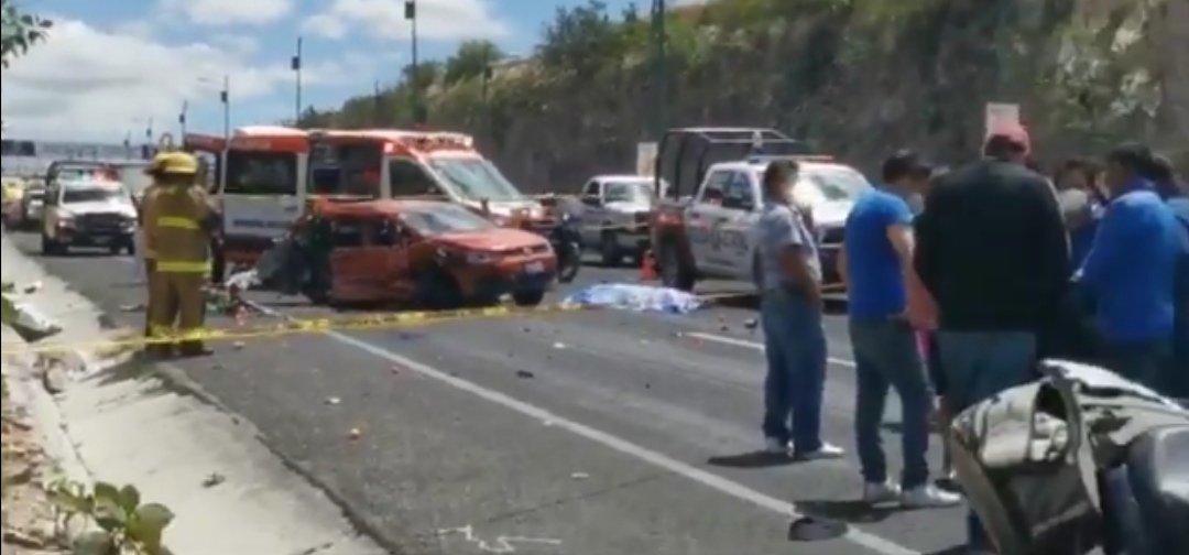 Muere mujer en aparatoso accidente en el Periférico de Puebla