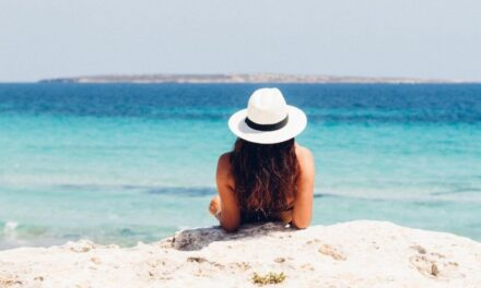 Piden no salir de vacaciones de verano ante tercera ola de Covid-19