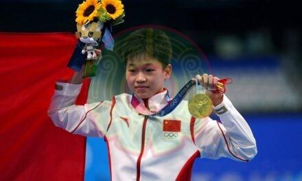 La clavadista china de 14 años que sorprendió en los JJ.OO. rechazó dinero, regalos y un tratamiento para su mamá enferma