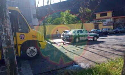 Accidente de tránsito sobre calle Ignacio de la Llave, Xalapa