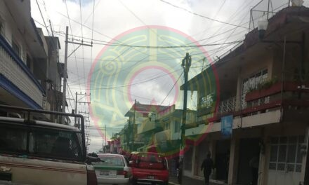 Accidente de tránsito sobre la calle Lucio, en la zona centro de Xalapa
