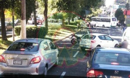 Motociclista lesionado en la avenida Xalapa, a la altura de Aguas Potables