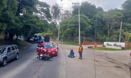 Motociclista lesionado en la carretera Coatepec-Xico