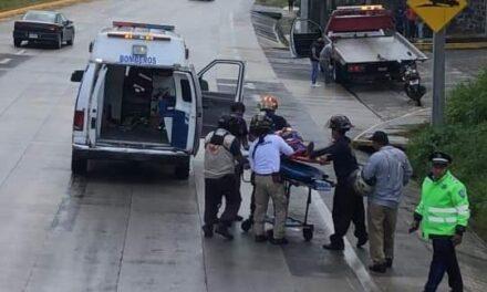 En total 4 motociclistas derraparon está tarde en la carretera Xalapa – Coatepec