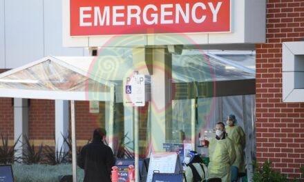 Nueva Zelanda confina al país por tres días tras un contagio de covid-19