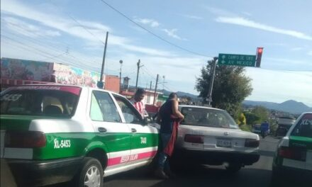 Accidente en la avenida Atenas Veracruzana, a la altura de Mariscos Boca del Río