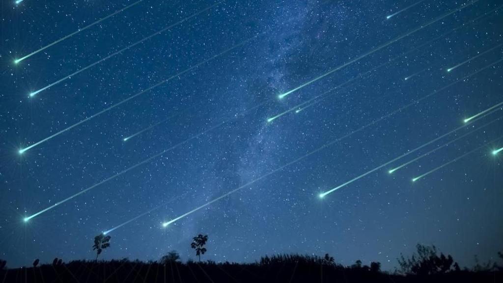 Perseidas y planetas serán los encargados de iluminar el cielo este mes.
