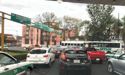 Accidente de tránsito sobre la avenida Lázaro Cárdenas esquina con Américas, Xalapa