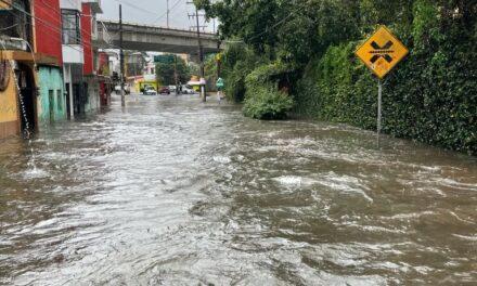 No hay paso en la avenida Rébsamen, Xalapa